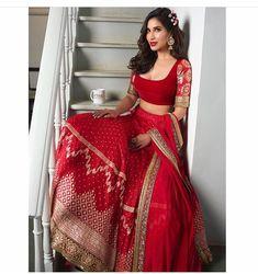 #sophiechoudry #lehengacholi #bridalwear #indianbride #redlehenga #fashion