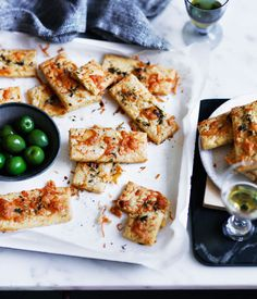 A recipe for savoury fennel, cheese and chilli biscuits that hit all the right notes with an apéritif or in place of dessert.