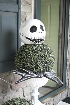 black and white Halloween porch- jack skellington topiary