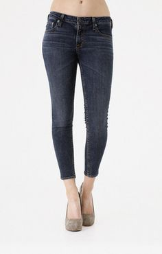 The Alex Crop denim pant is a convenient match for short boots, dainty flats or daring pumps. 98% cotton, 2% spandex. Big Star Denim washes use special Ozone Technology, which uses less water, less energy and less chemicals.