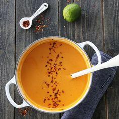Søtpotetsuppe med rød curry og kokosmelk Salad Recipes, Vegan Recipes, Frisk, Lchf, Curry, Food Porn, Food And Drink, Cooking, Ethnic Recipes