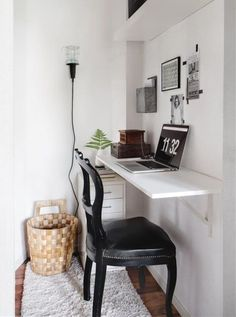 Small Space Solutions: The Wall Mounted Desk – home office organization ideas Desks For Small Spaces, Small Space Living, Small Apartments, Small Workspace, Small Desk Space, Desk In Small Bedroom, Small Study Desk, Office Workspace, Home Office Space