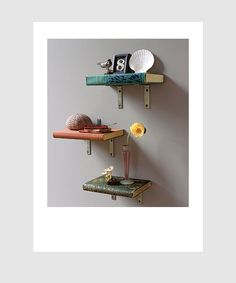 floating book shelves...literally!