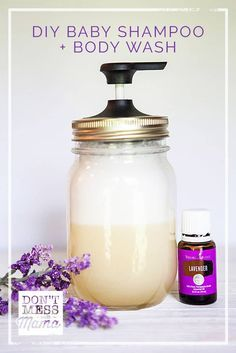 Natural Homemade Baby Wash and Shampoo DIY Baby Shampoo. Ditch the tear-free baby soaps at the store. They& filled with chemicals and preservatives. Make your own DIY natural homemade baby wash and shampoo. Diy Shampoo, Diy Fragrance Free Shampoo, Diy Body Wash, Homemade Body Wash, Natural Body Wash, Homemade Deodorant, Homemade Shampoo, Homemade Facials, Natural Skin