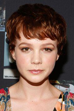 Carey ist der Beweis dafür, wie modern und gleichzeitig weiblich kurzes Haar wirken kann!