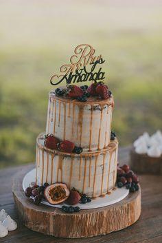 Caramel drip wedding cake // Photography: Scott Surplice