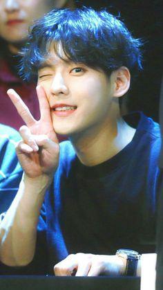 Like stop it he has such a baby face Btob Lee Minhyuk, Lee Changsub, Yook Sungjae, Im Hyun Sik, Rapper, Im A Loser, Cha Eun Woo, Kpop, Korean Celebrities