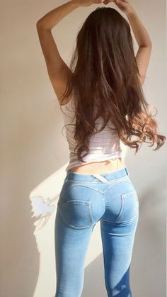Sexy Jeans, Jeans Fit, Skinny Jeans, Girl Fashion, Fashion Outfits, Womens Fashion, Looks Pinterest, Shorts With Tights, Silk Shorts