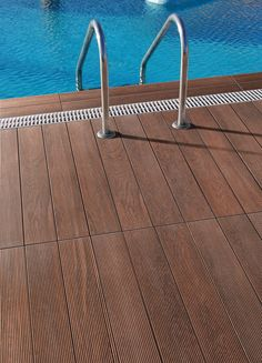 Porcelain wood-look tiles for outdoor
