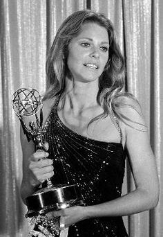 8041e9428a65e1 Lindsey Wagner wins for Bionic Woman Jamie Sommers. Bionic Woman