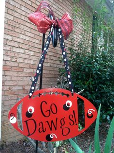 Georgia Bulldogs Wall Hanging...this would look great in a future classroom perhaps :)