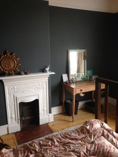 Bedroom in farrow and ball downpipe kok in 2019 farrow ball. Farrow And Ball Living Room, Farrow And Ball Paint, Living Room Grey, Farrow Ball, Decor Inspiration, Living Room Inspiration, Home Bedroom, Bedroom Decor, Bedrooms