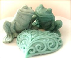 Hey, I found this really awesome Etsy listing at http://www.etsy.com/listing/71352333/soap-frog-soap-set-moisturizing