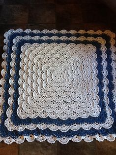 Ravelry: Project Gallery for Fluffy Meringue Blanket pattern by Patons Crochet Baby Jacket, Baby Afghan Crochet, Crochet Cushions, Crochet Quilt, Manta Crochet, Crochet Yarn, Crochet Hooks, Crochet Blankets, Baby Blankets