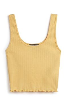 Crop tops Primark - Yellow Crop Top Ditch the Dummy in only 5 Easy Steps Babies have a natural sucki Primark Outfit, Primark Clothes, Teen Fashion Outfits, Outfits For Teens, Summer Outfits, Fashionable Outfits, Summer Shorts, Fashion Clothes, Summer Tank Tops