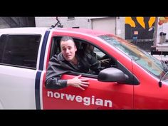 A unique interactive experience that enables visitors in a shopping mall in Oslo to control a cab, and discover New York City. Real-time. To create awareness...