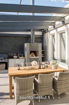 20 Villa Valli - Lasitettu terassi | Asuntomessut Outdoor Living, Conference Room, Interior Design, Architecture, Table, Villa, Patio, Spaces, Furniture