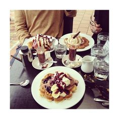 SWERVE ❤ liked on Polyvore featuring instagram, food, pictures, food and drink and insta