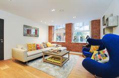 Bright, modern reception - New Build Property - www.photoplan.co.uk