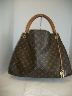 1c81e6a355a7 Keeks Buy Sell Designer Handbags - Louis Vuitton Monogram Artsy MM