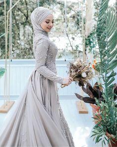 Hijab Dress Party, Hijab Style Dress, Modest Fashion Hijab, Street Hijab Fashion, Disney Wedding Dresses, Pakistani Wedding Dresses, Hijab Chic, Bridal Hijab, Hijab Bride