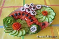 İştah kabartan salata ile sofraya oturan misafirlerinizin ilk başta gözleri bayram edecek.