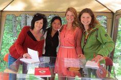 Avec les auteures de l'Orphéon, Véronique Marcotte, Geneviève Jannelle et Roxanne Bouchard aux Correspondances d'Eastman :)