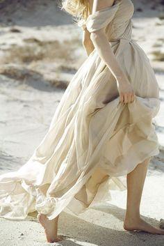 les sablons ⋒ sarah seven the bridal atelier beige romantic dress robe volantée