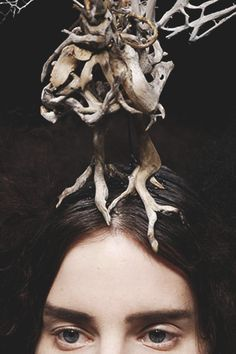 somethingvain:  alexander mcqueen f/w 2008, 'the girl who lived in a tree'