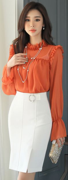 StyleOnme_Circle Buckle Side Slit H-Line Skirt #white #pencilskirt #feminine #elegant #koreanfashion #spring #kstyle #seoul #dailylook