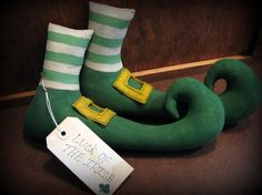 Leprechaun Shoes Primitive St Patrick's Day by ThatSallie on Etsy,