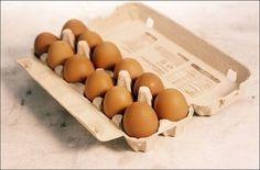 Passe óleo vegetal nas cascas dos ovos antes de guardá-los na geladeira. Com isso, eles ficaram mais frescos por três a quatro semanas a mais