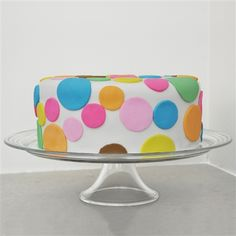 jagoda architecture: modern fondant cakes and cookies