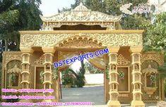 Haveli Look Wedding Welcome Gate Setup Wedding Gate, Wedding Entrance, Wedding Mandap, Gate Decoration, Stage Decorations, Flower Decorations, Wedding Decorations, Flower Wall Backdrop, Wall Backdrops