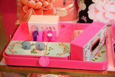 #TissueBoxes #CasaPop Shop Online designer tissue Boxes http://www.casa-pop.com/Lifestyle/Tissue-Box Shop Beautiful Tray online at http://www.casa-pop.com/Lifestyle/Trays Shop colourful Scarves online at http://www.casa-pop.com/Fashion/SCARVES Shop dining table place mats online at http://www.casa-pop.com/Lifestyle/Placemats-Napkins Shop Ottomans furniture online at  http://www.casa-pop.com/Lifestyle/Ottomans Shop Organizer collection online at http://www.casa-pop.com/Lifestyle/Organiser