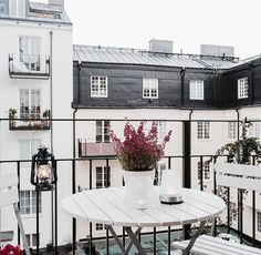 Beautiful Scandinavian balcony <3 Click on the photo and check out the tips to incorporating Scandinavian interior design into your home