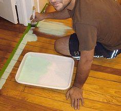Pinte o piso começando com as bordas