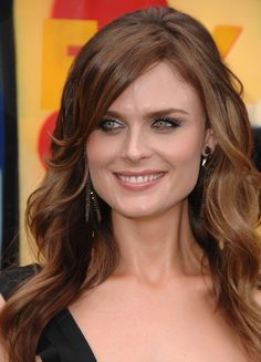 Emily Deschanel – Celematic