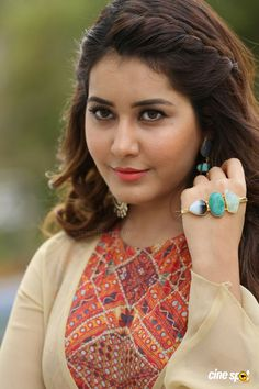 Rashi Khanna Latest Pics (45)