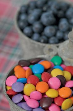 Fill tin buckets with colourful sweets and yummy berries for kids to enjoy and to create that rustic feeling. Tin Buckets, Farm Yard, 2nd Birthday Parties, Fill, Berries, Party Ideas, Rainbow, Sweets, Rustic