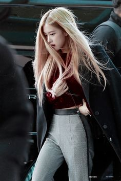 Check out Blackpink @ Iomoio Kpop Girl Groups, Korean Girl Groups, Kpop Girls, Rose Photos, Blackpink Photos, Foto Rose, Rose Bonbon, 1 Rose, Rose Park