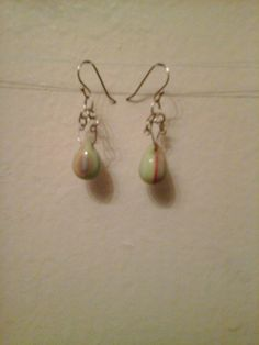Check out this item in my Etsy shop https://www.etsy.com/listing/266349520/easter-tear-drop