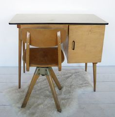 VG208 - 1960 desk and Casala rotating chair