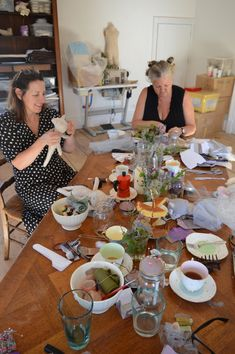 Tea, cake, coffee and sewing with like minded folk. Mollie Makes, White Cottage, Awards, Folk, Table Settings, Workshop, Tea, Coffee, Sewing