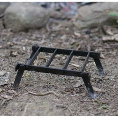 Discover Camping outdoors Grounds And Nearby Backyard Actions Camping Grill, Camping Stove, Camping Gear, Grilling, Fire Cooking, Outdoor Cooking, Outdoor Kitchens, Bushcraft, Small Grill