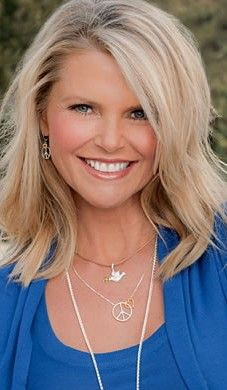 Christie Brinkley ... Love this hairstyle!