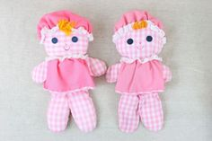 Vtg-1975-Fisher-Price-2-Lolly-Dolls-Rattle-Baby-Pink-White-Gingham-Check-420