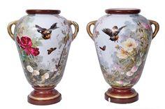 VIEUX PARIS - Par de grandes vasos palacianos em porcelana francesa do Séc. XIX, com rica policromia