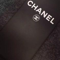iphoneSE 薄いケースシンプル風 超クール黒いブラック シャネル chanel iphone7/6s/6s plusアイフォン5S/6 プラス カバー 薄いハードケースブランドロゴ
