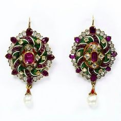 Antique Victorian earrings, @vamuseum!! Love the asymmetry of the central stones and the enamel work...  #antiquejewelry #finejewelry #sunday #earrings #colors #lovegoldlive #fashion #antiquejewellery #lovegold #enamel #gemstones #pearls #gold #instafollow #tags4likes #l4l #instadaily #museum #follow #vamuseum #history #antique #jewelry #love #jewellery